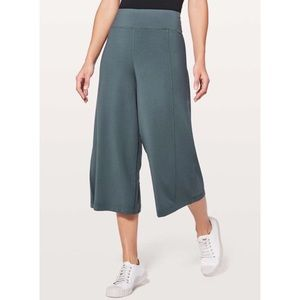 Lululemon Blissed Out Culottes Pants Tights
